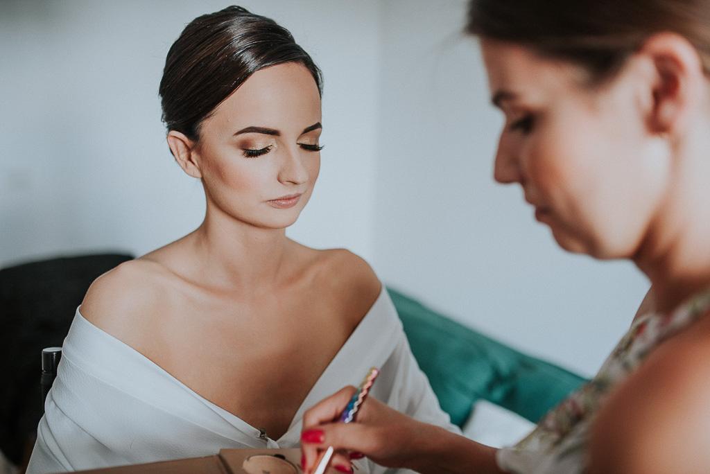 wesele sesja nad morzem makijaż panny młodej