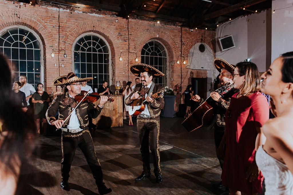 wesele sesja nad morzem mariachi na weselu