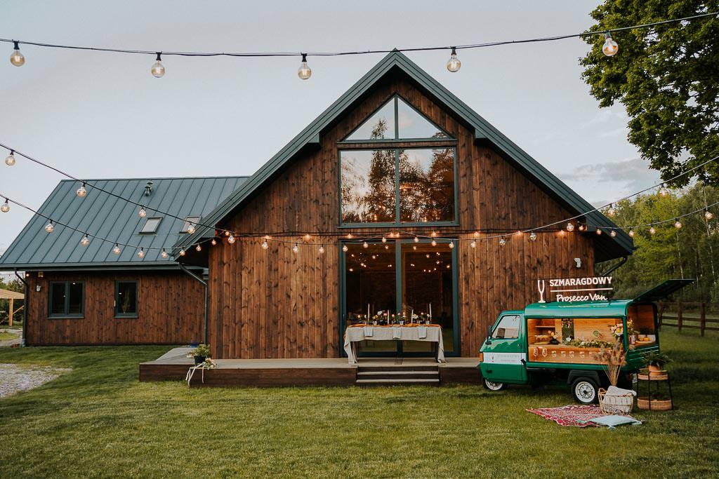 prosseco, stodoła borucza, ślub w stodole, nowoczesna stodoła, slow wedding. diy