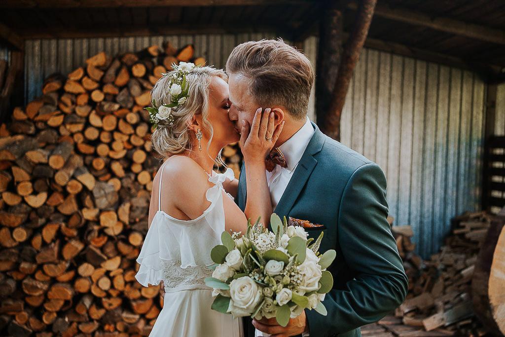 pocałunek pary młodej, Piotr Czyzewski fotografia