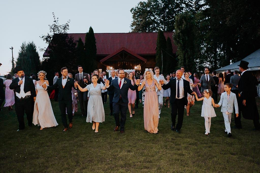 goście weselni tarcza poloneza chata za wsią