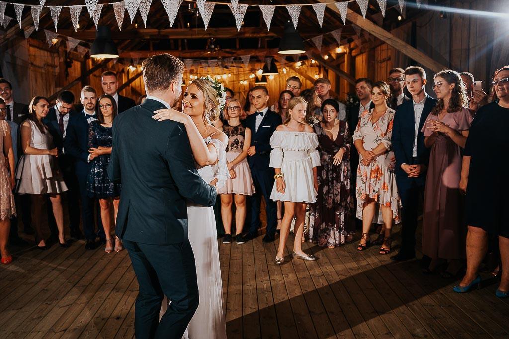 pierwszy taniec w stodole