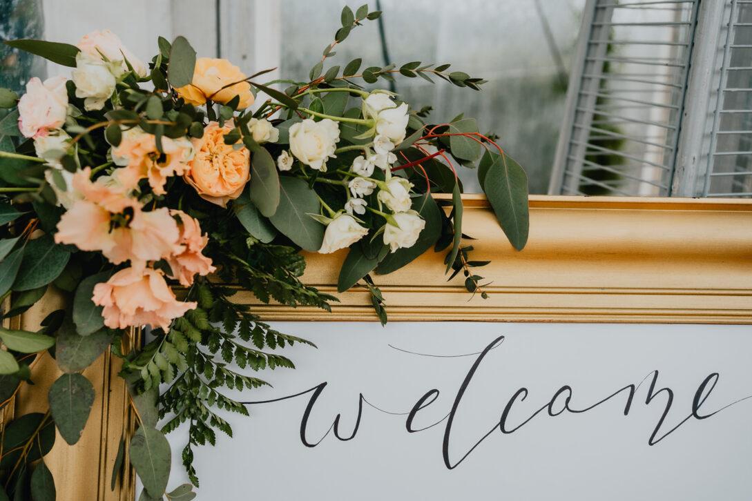 welcome tablica wesele w namiocie piotr Czyżewski fotograf na ślub Legionowo