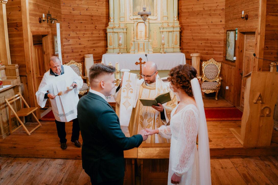 przysięga pary młodej wesele w namiocie piotr Czyżewski fotograf na ślub Legionowo